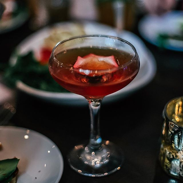 Anyone else have a case of the Monday's? Nothing a cocktail from @thecaterersmn can't fix 👌 . . . . . #happymonday #sipsiphooray #cheers #minneapolisfoodie