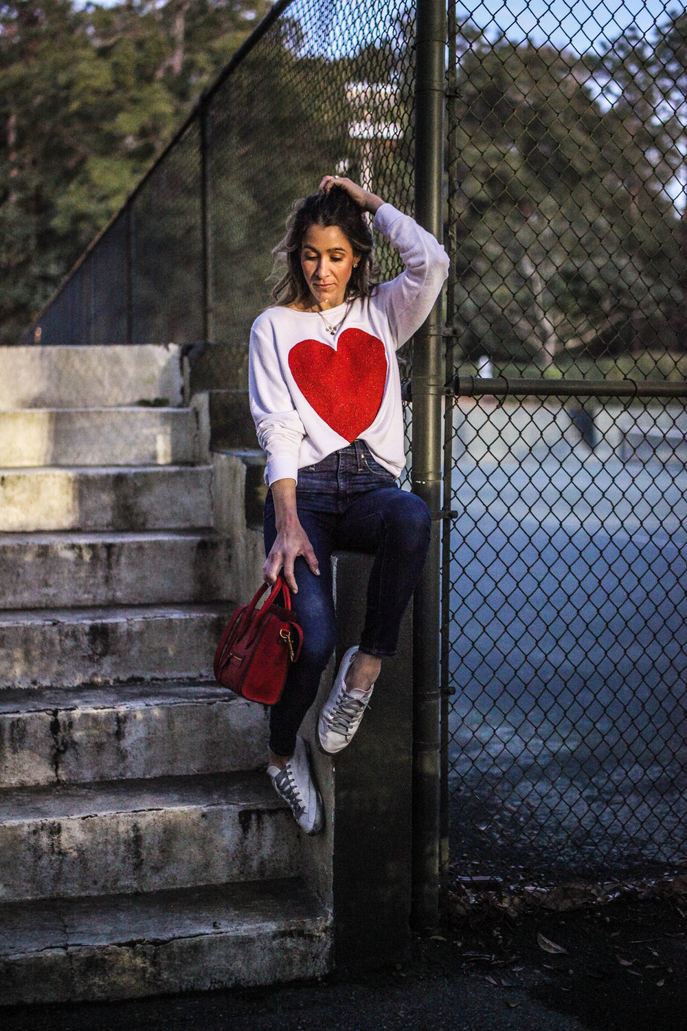 HEART SWEATSHIRT - WILDFOX - ON SALE  HERE  - | JEANS -  HERE  | SNEAKERS - DUPE VERSION  HERE  | HANDBAG - CELINE - HERE - DUPE VERSION -  HERE