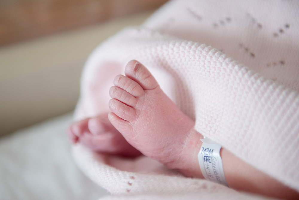 Hartford Connecticut Newborn Photographer | Fresh 48 Baby Sessions | www.heatherandsarahphoto.com