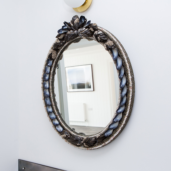 OVAL MUSSELL SHELL MIRROR