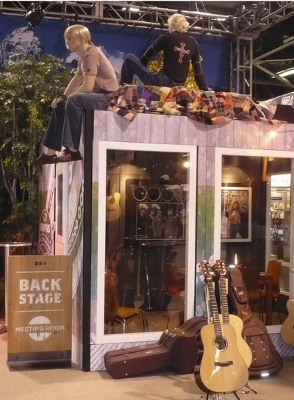 sound-proof-trade-show-booth.jpg