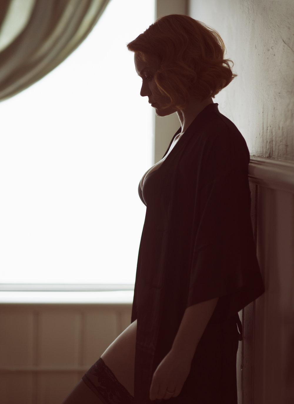 Marta-Hewson-Kim-Murkovich-boudoir-silhouette.jpg