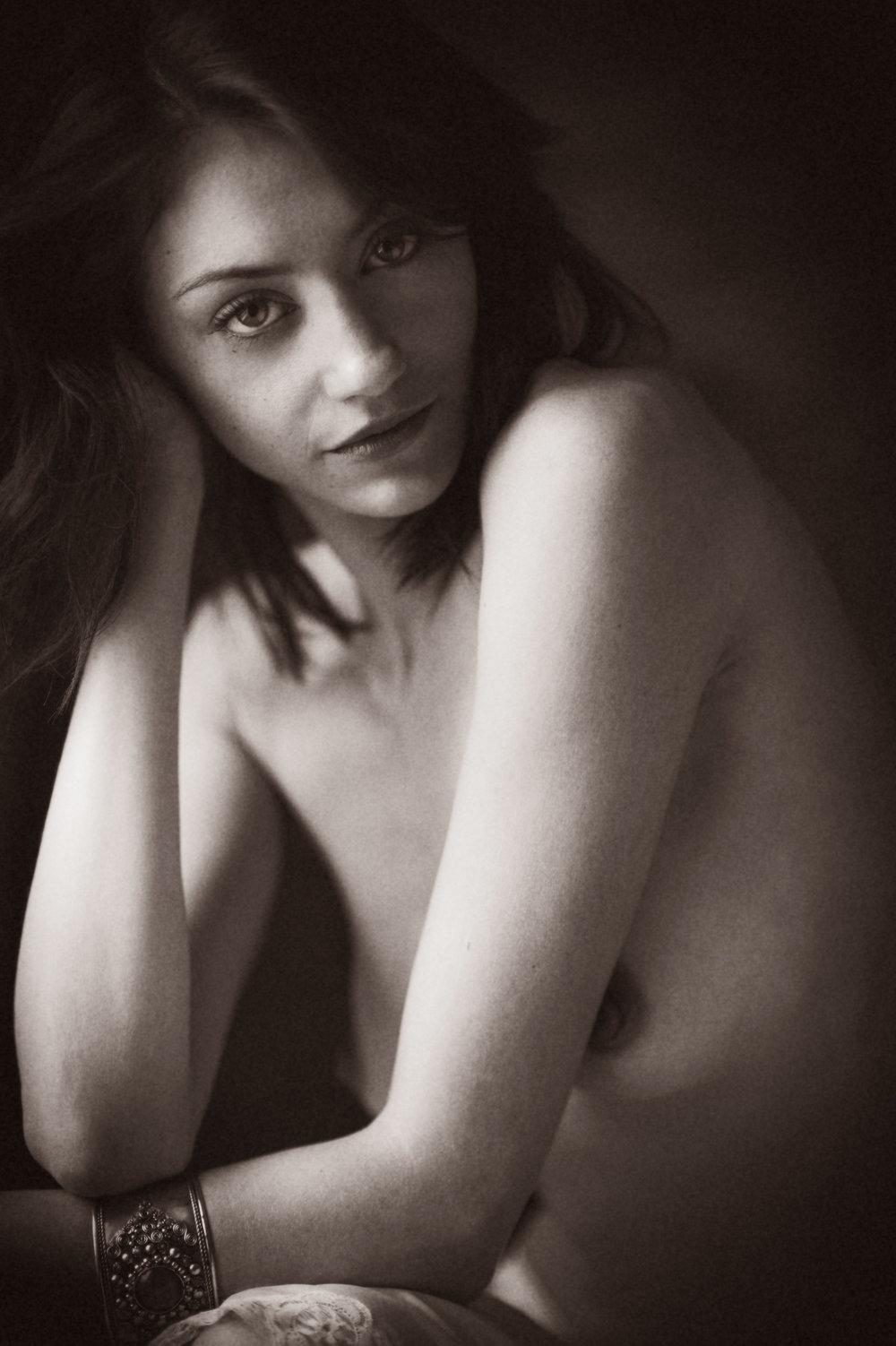 Marta-Hewson-Maggie-Mae-Taylor-boudoir-nude-Calyotype.jpg
