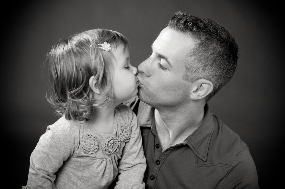Marta-Hewson-Classical-portrait-father-and-daughter-kiss.jpg