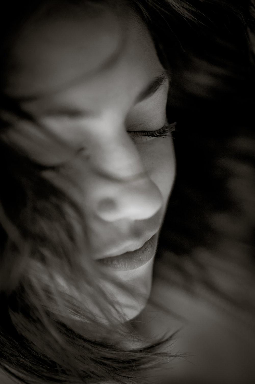 Marta-Hewson-Lifestyle-portrait-Maggie-mae-Taylor-dreamy.jpg