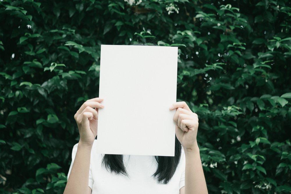 blank-female-hands-388898.jpg