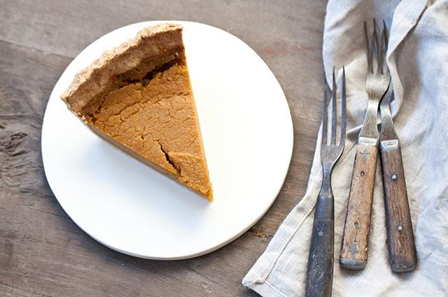 We've got PIE on our mind 🥧 It is time to start thinking about Thanksgiving! Starting today, we are accepting pumpkin pie pre-orders for Thanksgiving. $12.50 for a 10in pie (serves 6-8). 100% NON-GMO. VEGAN. SPROUTED FLOUR. 100% WHOLE GRAIN. To order, email: hello@sproutedoven.com. You can pick up your pie on the Friday or Sunday before Thanksgiving as we are CLOSED on Thanksgiving day! 🍁