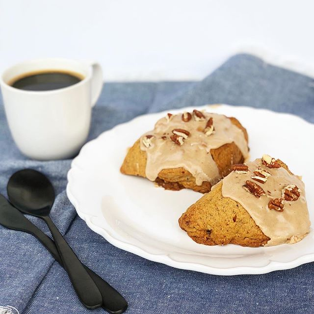 Well hello there Fall! 🍁You came so quickly! Bring on the pumpkin and spice! Introducing our NEW Pumpkin Pecan Scones! • • • #nongmo #sproutedgrains #pumkin #healthychoices