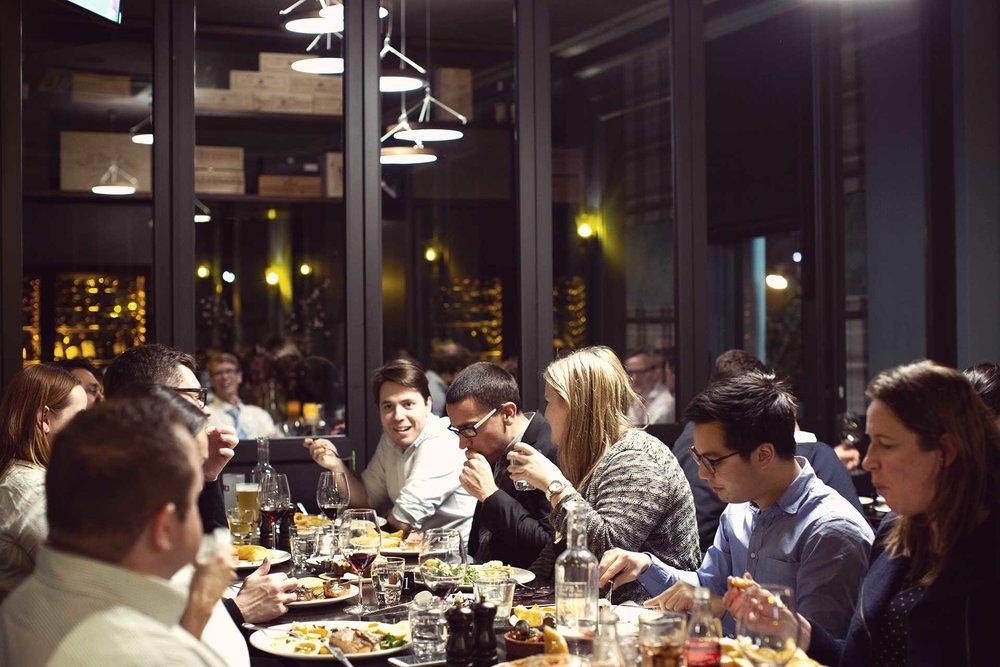 about-upstairs-restaurant-img.jpg