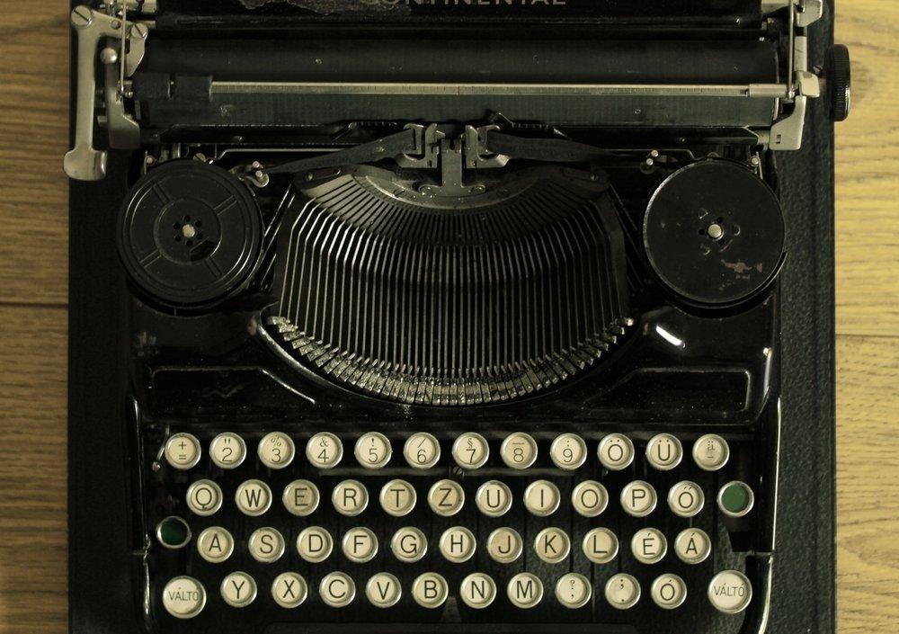 typewriter_full.jpg