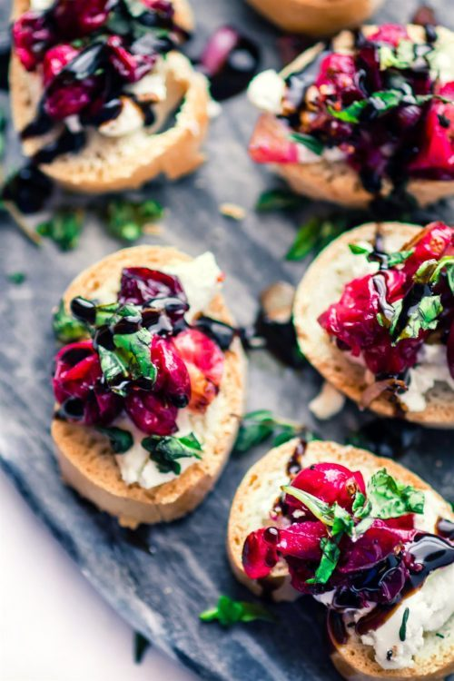 cranberry goat cheese crostini-1.jpg