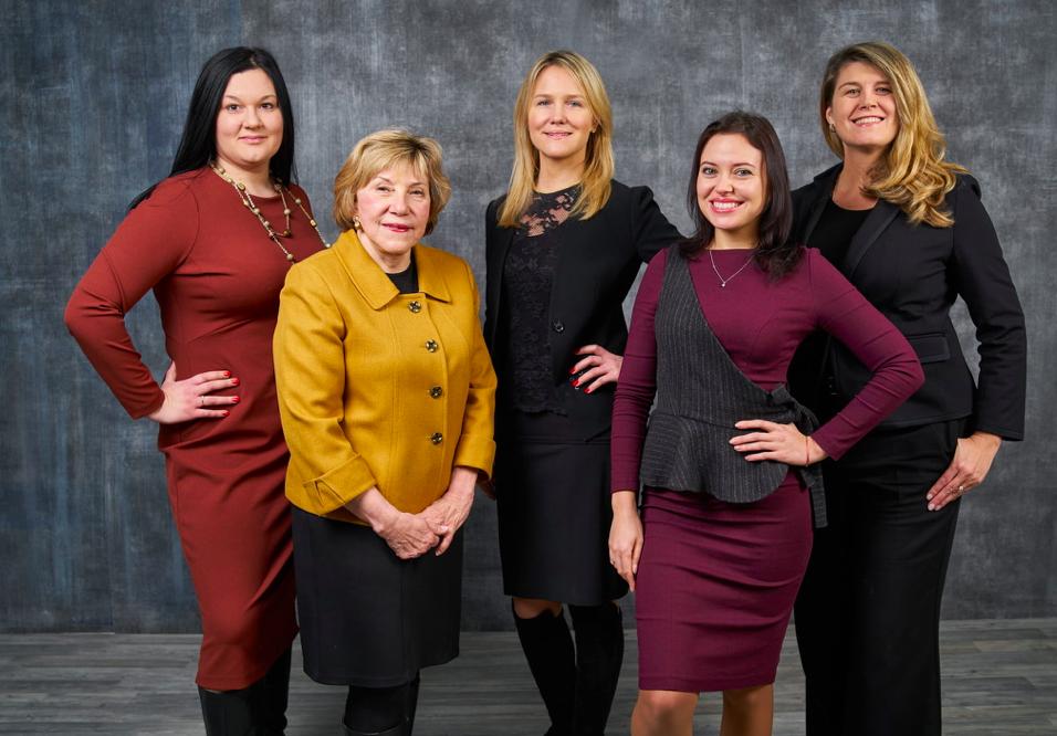 From left to right: Svitlana Grytsenko (VPF), Jaroslawa Johnson (WNISEF), Alexa Chopivsky (Executive Director Ukraine House Davos), Olga Afanasyeva (UVCA) and Lenna Koszarny (Horizon Capital) (PRNewsfoto/Ukraine House Davos)