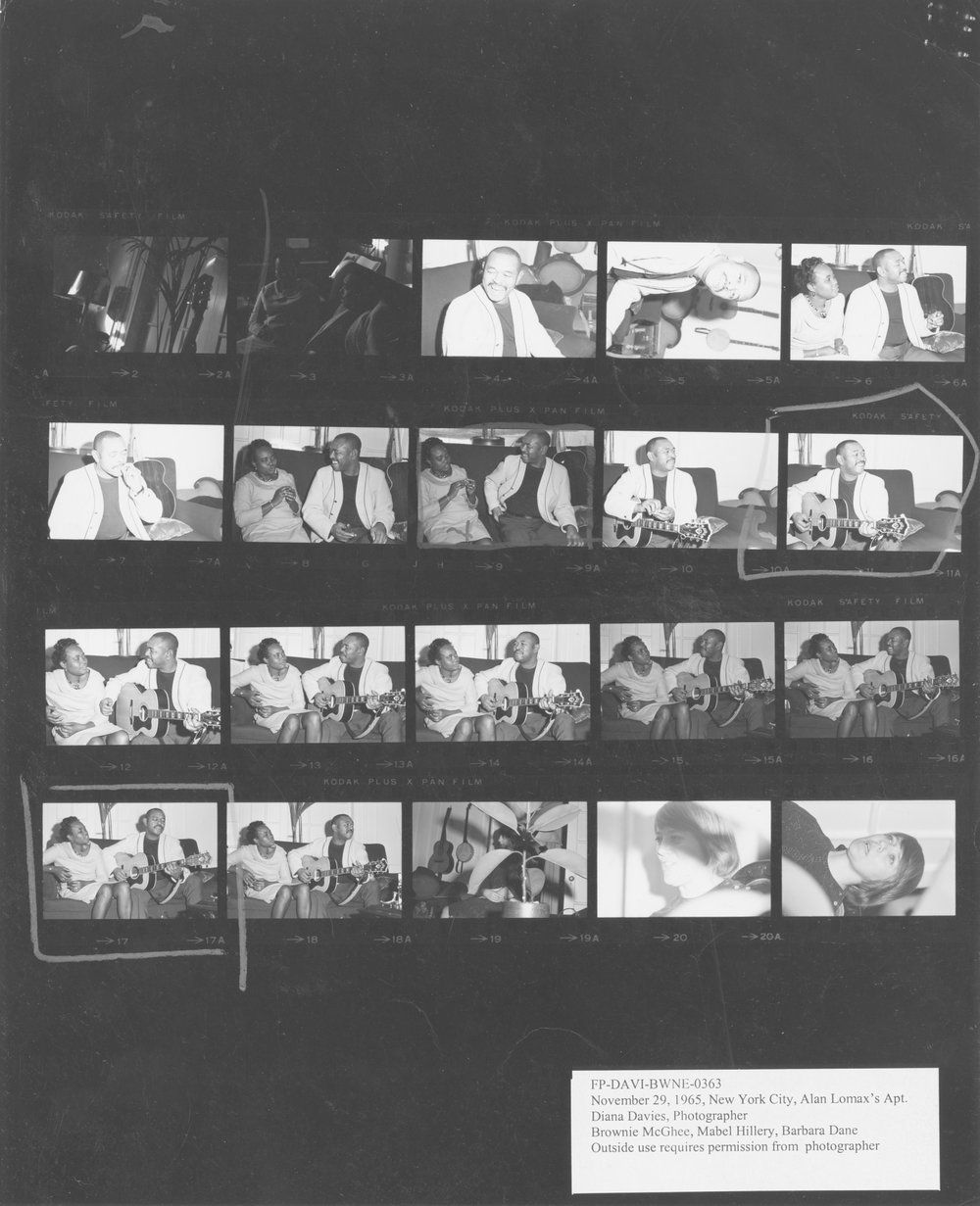 This contact sheet is one in a series taken by photographer Diana Davies that captures Mable Hillery alongside Bessie Jones of the Georgia Sea Island Singers, folk singer Barbara Dane, and blues guitarist Brownie McGhee at ethnomusicologist Alan Lomax's NYC apartment in late November 1965.
