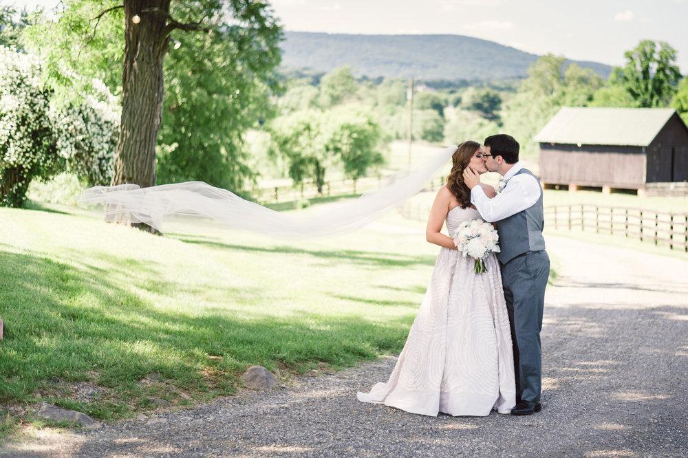 Silverbrook-Farm-Weddings-Virginia-15.jpg
