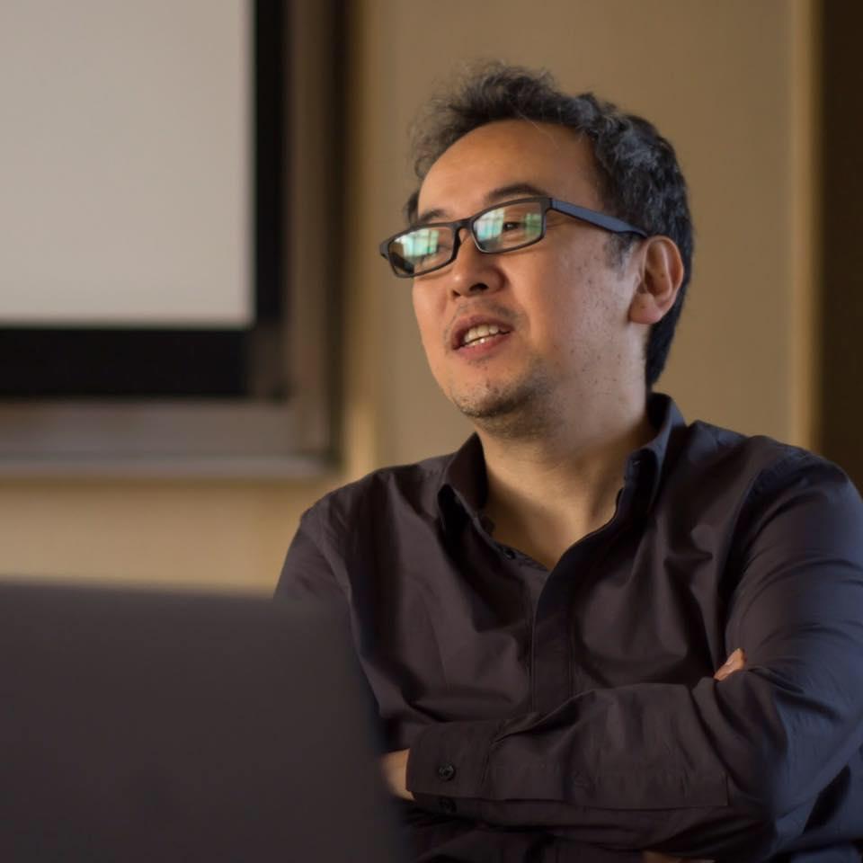 Hiroshi Sasaki - 株式会社創庵 創業者コミュニティづくりと教育のエキスパート。NHK教育テレビでIT教育番組の講師を12年間、務める。1995年に株式会社シンク取締役ウェブマスターとして、黎明期よりエンターテインメント系のウェブサイトを手がける傍ら、1997年企業向けウェブ担当者向けの啓蒙書『 ウェブデザイン・ハンドブック―創造型ウェブマスターになるために(AI出版)』を上梓。2002年に株式会社創庵を創業。