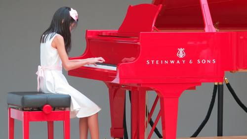 Piano - We offer Classical Piano lessons for those who dream of playing masterpieces of all time, and Pop Piano lessons for those who want to play piano with music they know and love.
