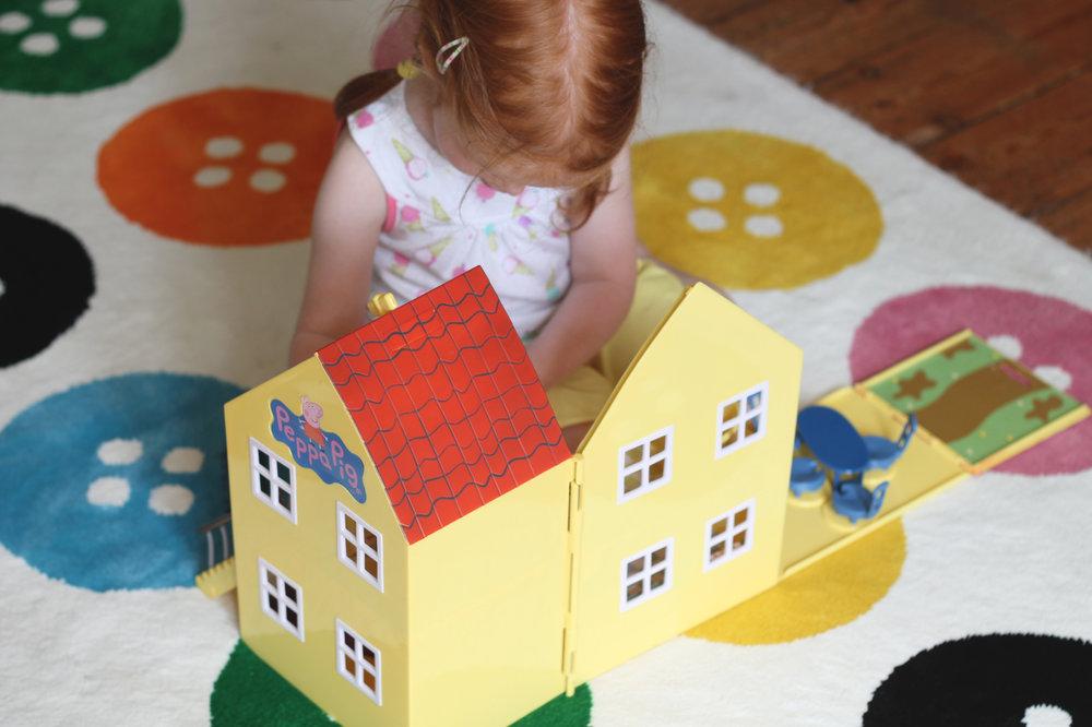 Peppa Pig Deluxe House 2.jpg