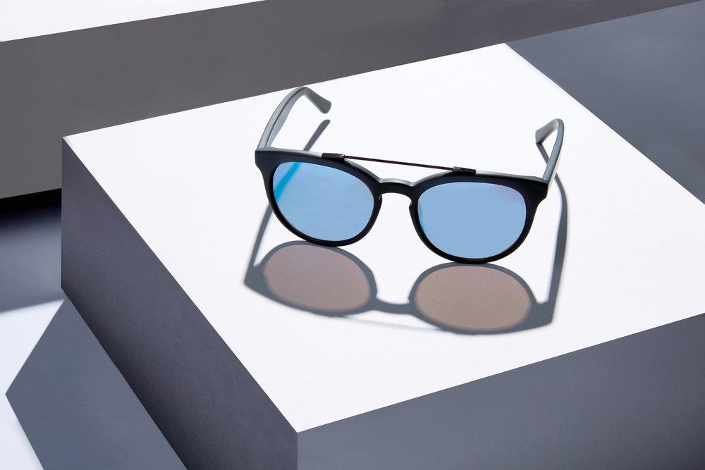 web sunglasses0104-0.jpg