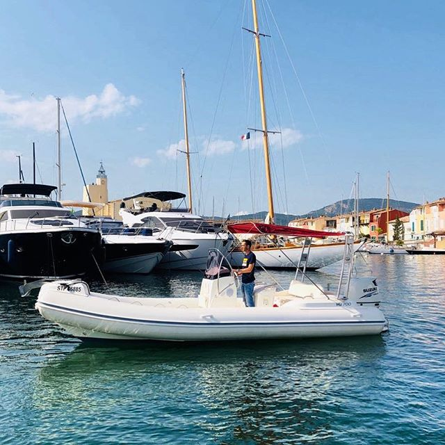 Europboat vous propose une large gamme de bateau pour la journée ou la semaine \ Europe boat offers a wide range of boats for the day or the week 🚤💥🎉💦🌊. #boat#bateau#sea#mer#rent#sainttropez#portgrimaud#cotedazur#frenchriviera#day#week#location#capitaine#friends#family