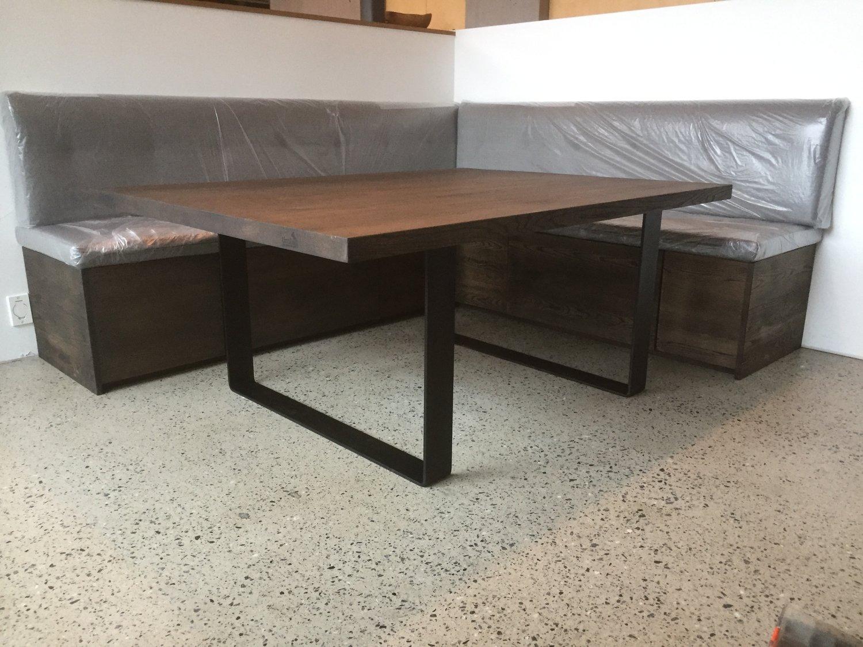 Groovy Spesial tilpassa kjøkken sofa og spisebord — Timbla – makelause SC-75