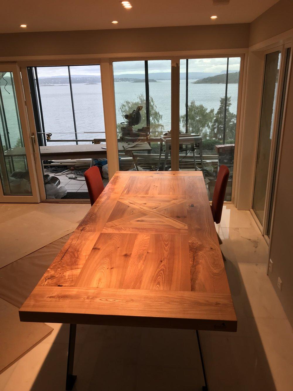 Spisebordet Einar naturell