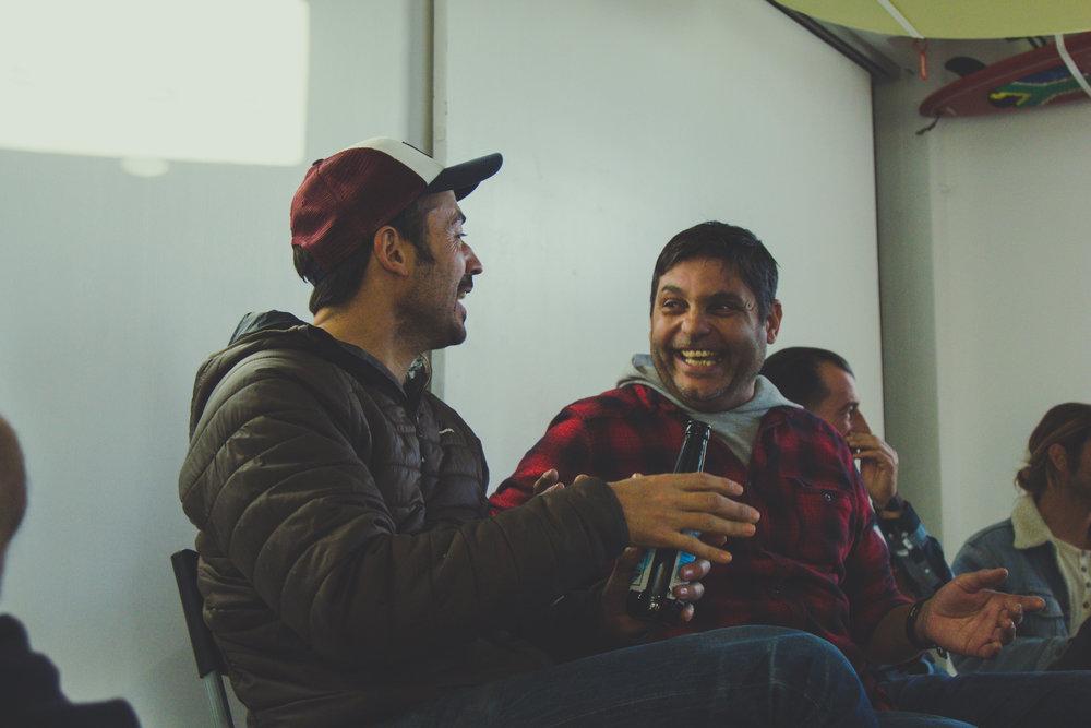 Pedro Vieira - Feel Flows Surfboards - e Paulo Jacinto - Paulo Jacinto Surfboards - em conversa animada durante a primeira talk do Parlamento