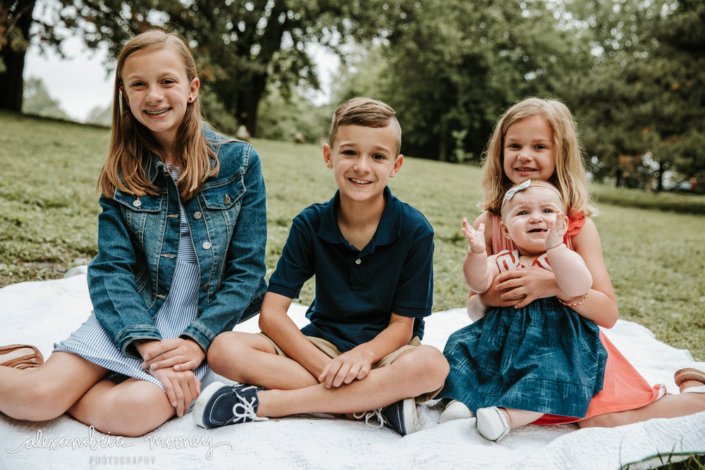 TheHesselbachFamily_Watermarked-18.jpg