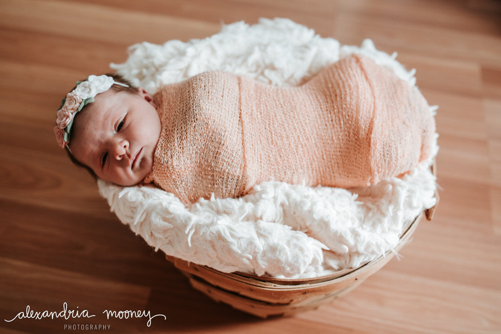 Hannah-Newborn_Watermarked-11.jpg