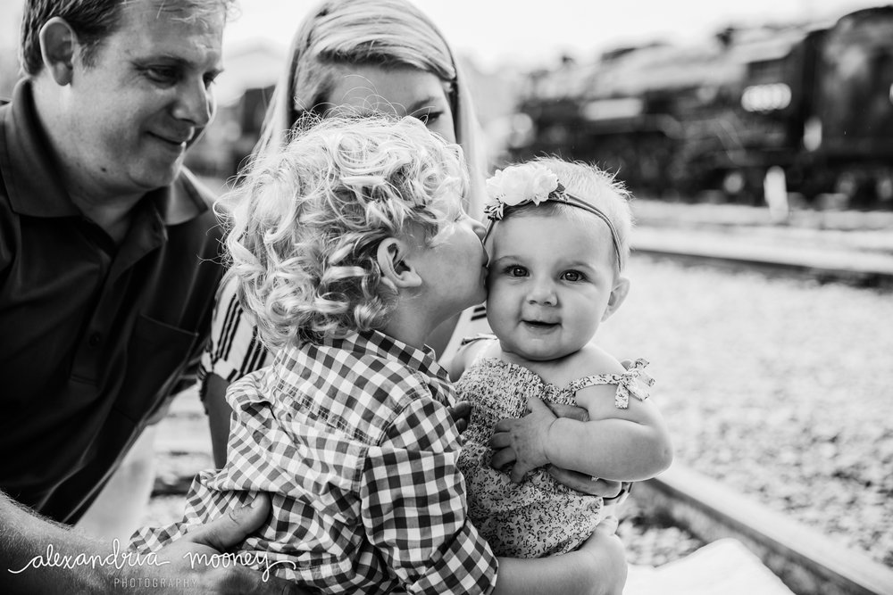 TheWoltersFamily_Watermarked-19.jpg