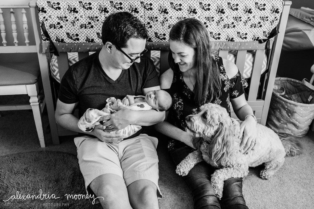 Oliver_newborn_WATERMARKED-16.jpg