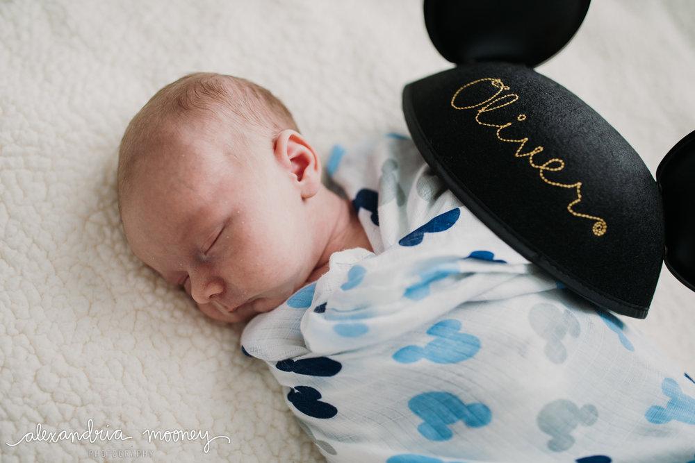 Oliver_newborn_WATERMARKED-17.jpg