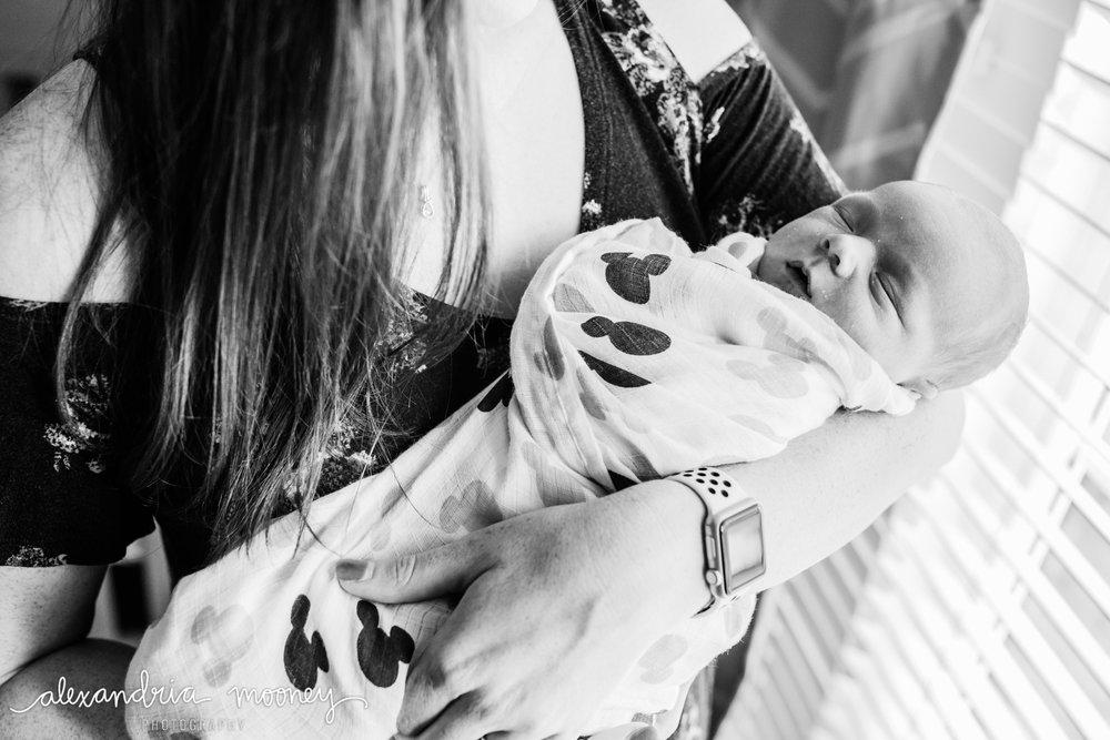 Oliver_newborn_WATERMARKED-18.jpg