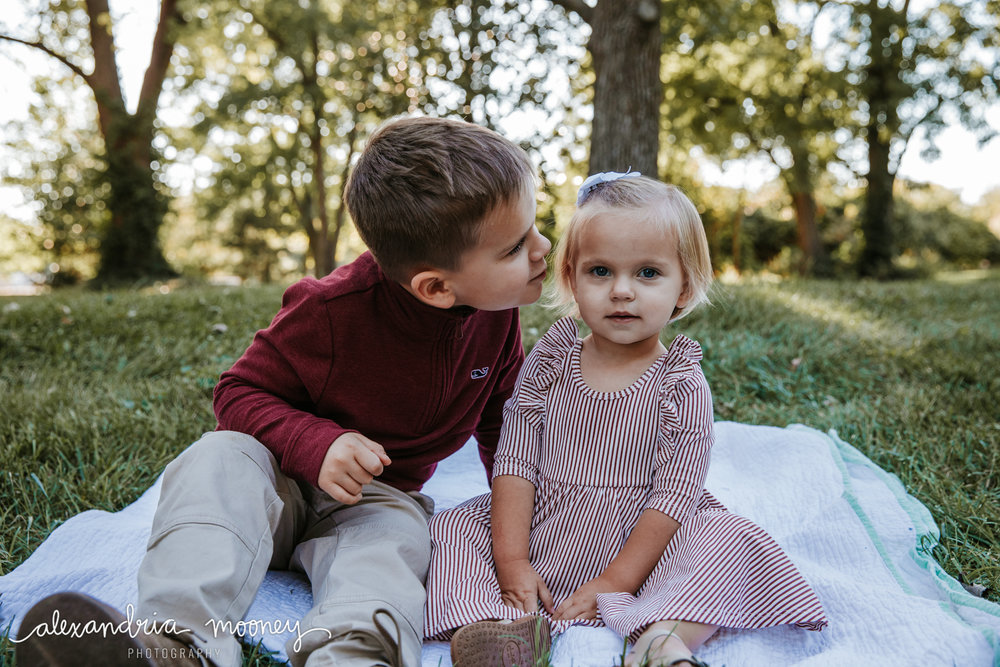 Carter_and_Evelyn_WATERMARKED-5.jpg