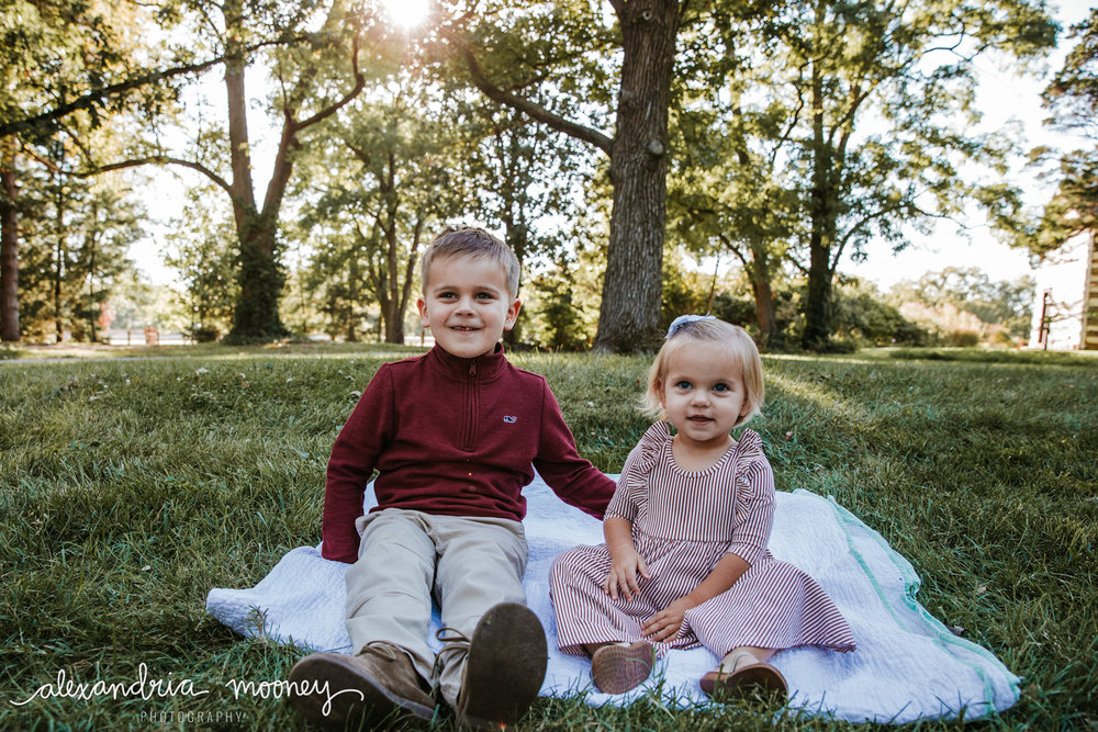 Carter_and_Evelyn_WATERMARKED-12.jpg