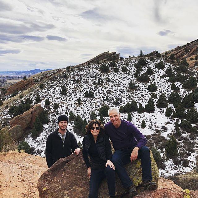 Happy Thanksgiving Everyone 💕🦃🍁🍃Hiking in the morning at Beautiful RedRock Amphitheater to make room for some turkey 🦃 Amazing views. 🍁 🍁 🍁 🍁 🍁  #redrocksamphitheater  #thanksgiving🦃  #getadvancedchic  #denvercolorado  #natureismychurch  #familyhikes  #gratefulheart  #gratefulmindset  #naturehike  #outdoorlife  #redrock  #thingstodoindenver  #hikingadventures