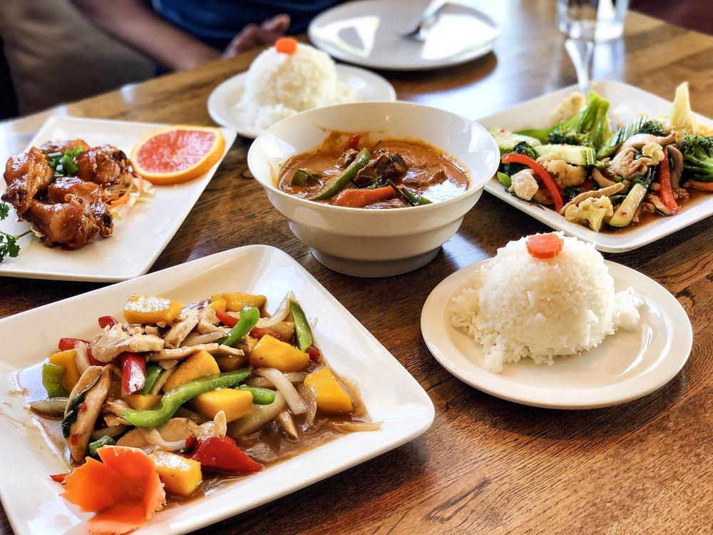 jasmine-blossom-thai-cuisine.JPG