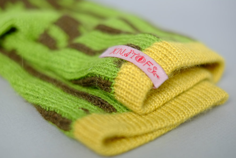 KNÄTOFS, KNITTED ACCESSORIES, LOGO, BUSINESS CARD AND TAG.