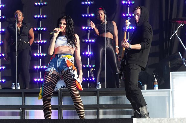 Jessie J performs at the Barclaycard Wireless Festival 2012 at Hyde Park.jpg