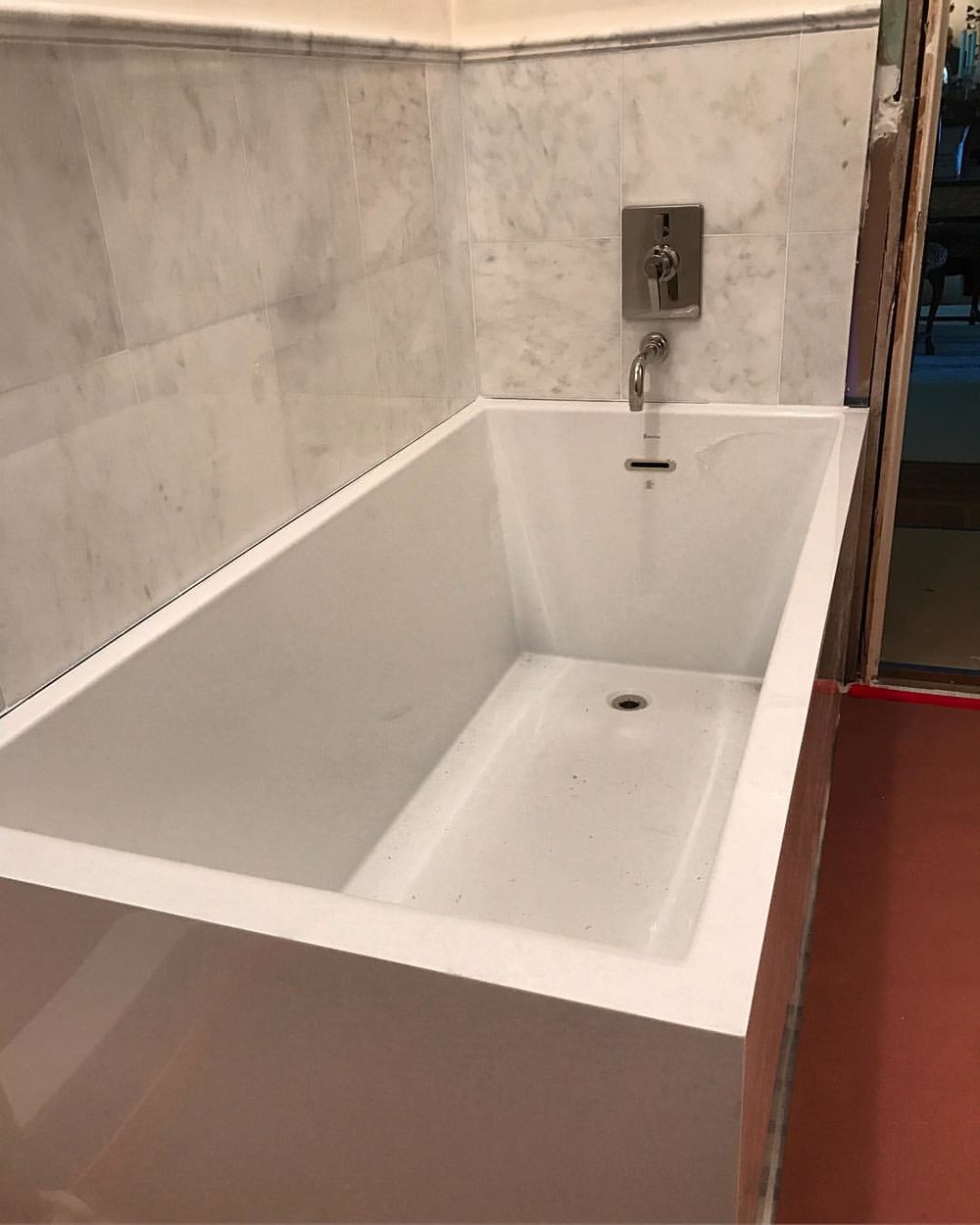 bain tub installation.jpg