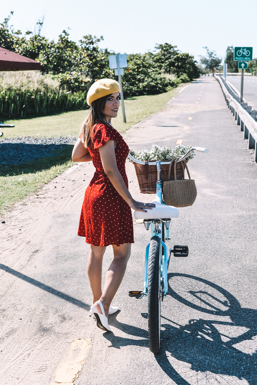 Gracias a  Pedalea Isabela  por el excelente servicio de alquiler de bicicletas, a  De Rústica  por las hermosas flores que siempre conseguimos en sus estaciones de  Plaza Las Américas  y  Lote 23 , la canasta es de  Amazon Prime .