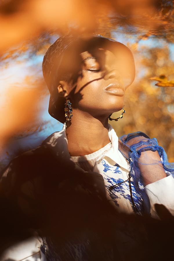 Estelle - Top & jacket : Ka wa key Gloves & earrings: Longshaw Ward / Hat: Michelle Margarejo