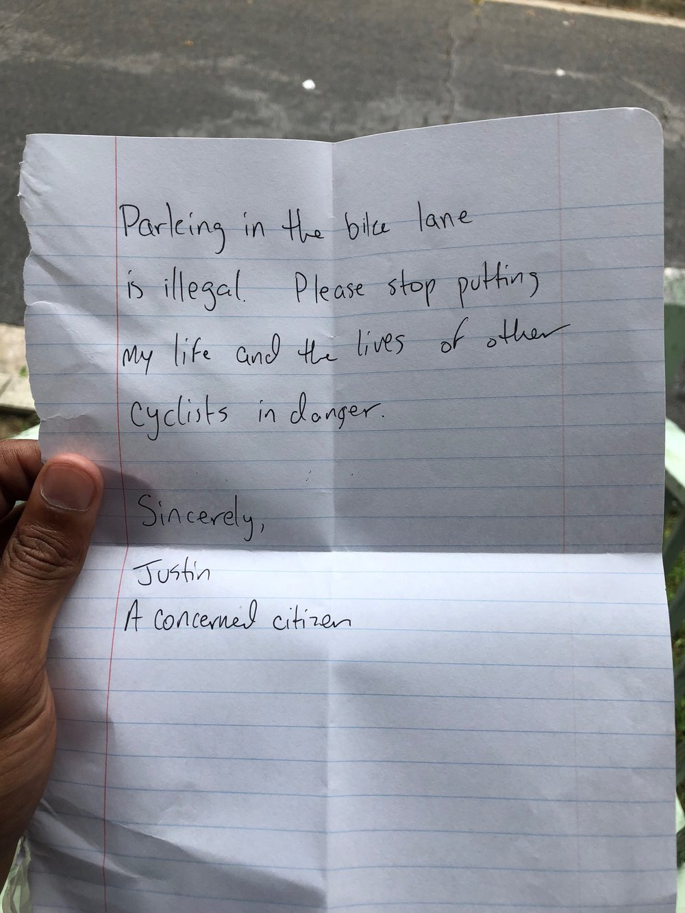 Note to illegal parked car