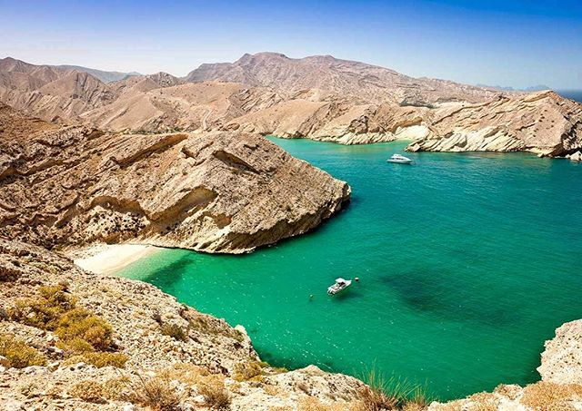 What a playground for a challenge! We're excited to be taking one of our clients and their employees along the coastline and through the mountains of Oman - trekking through 35 degrees, camping under the stars and snorkelling in crystal blue waters. We believe a challenge is the most fantastic way of experiencing the world's beauty... ⛰🏃🏽‍♀️💦 🇴🇲 #oman #musandam #mountains #travel #trek #outdoors #hike #challenge #camping #ocean #middleeast #beautifuldestination #justchallenge #inthistogether