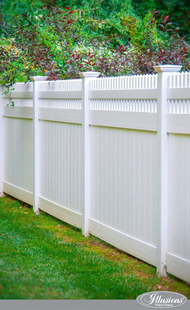 Stunning-PVC-Vinyl-Privacy-Fence-from-Illusions-Vinyl-Fence_0007.jpg