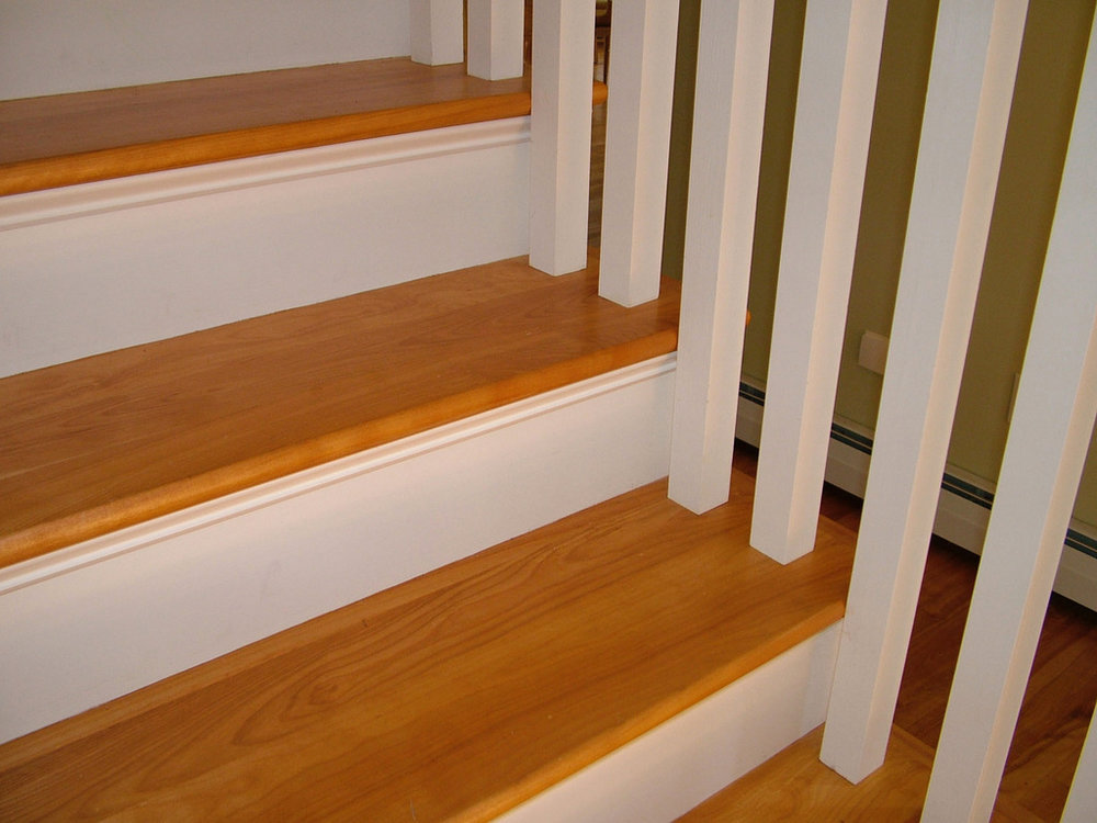 Good-Oak-Stair-Treads-Ideas.jpg
