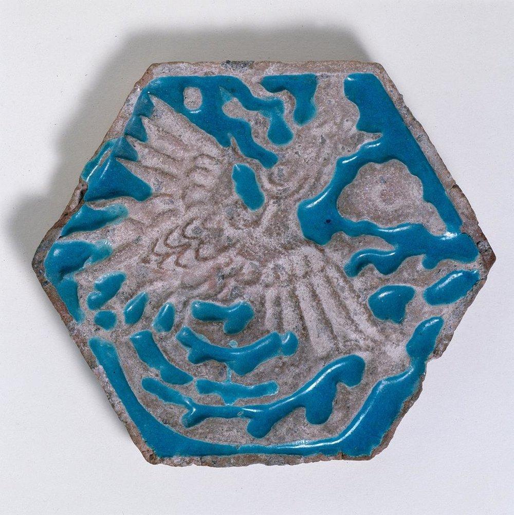 Tile with a Simurgh (Sechseckfliese mit Simurgh)  Museum für Islamische Kunst, Staatliche Museen zu Berlin, c. 1270