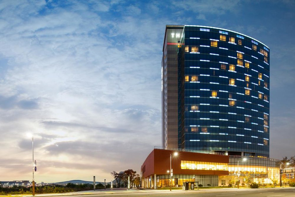 Accommodation - Participants will stay at MVL Hotel Goyang the largest five-star hotel in Northern Gyeonggi region. Fully equipped with convenient facilities, such as Korean-styled sauna, fitness room, and a 24-hour-open business center, it ensures a luxurious and relaxing stay.