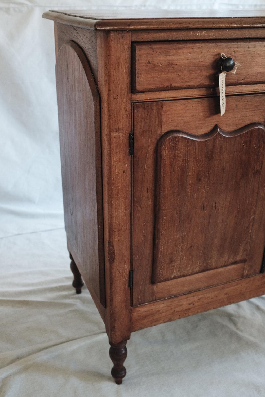 sideboard (4 of 9).jpg