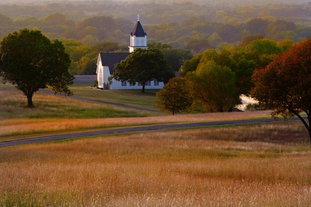 scenic-chapel-picture-in-spring_orig.jpg