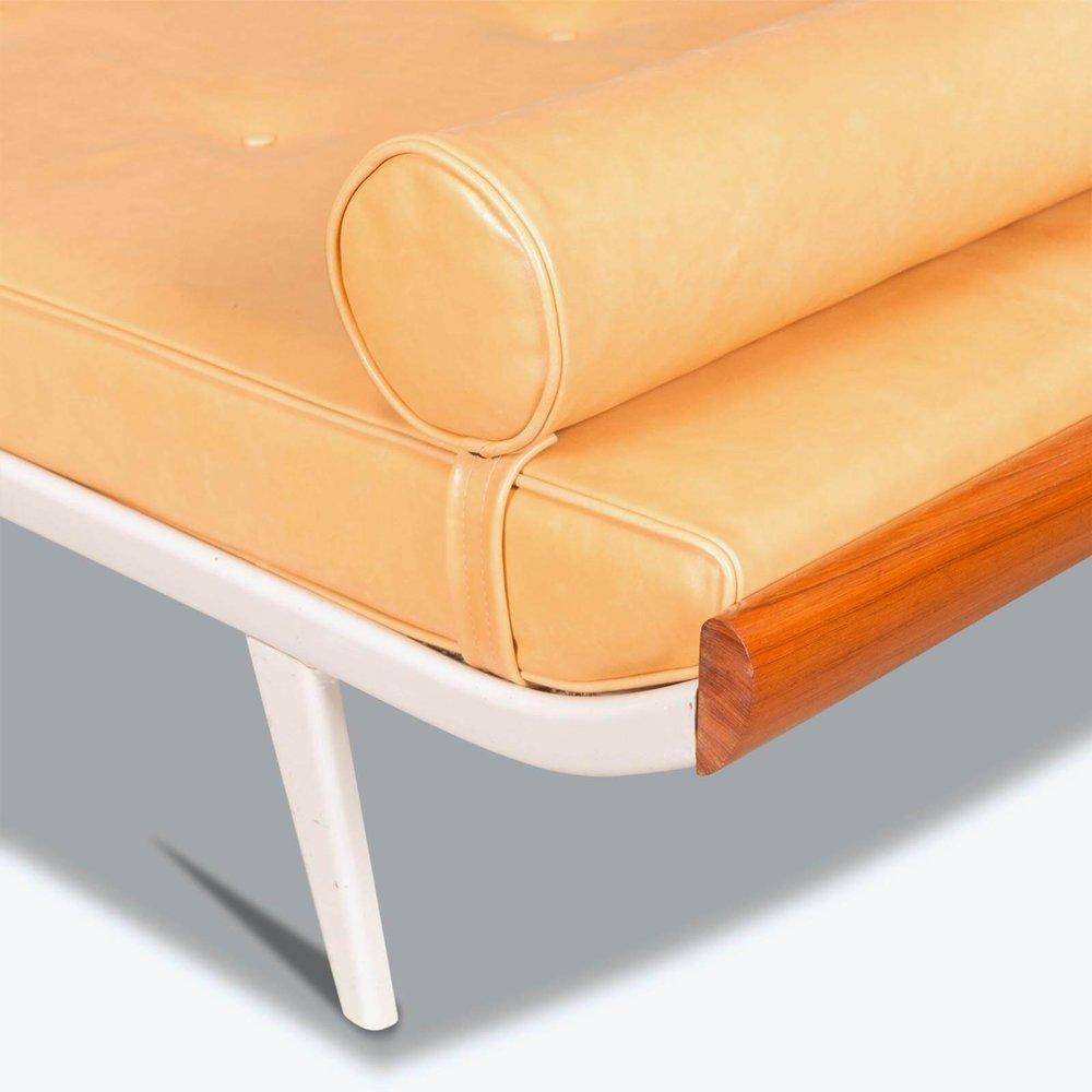 CADABBRA.COM.AU_#13_Modern_Times_Furniture_4.jpg